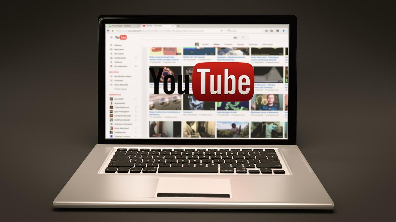 Czy da się pobrać filmy i muzykę z YouTube?